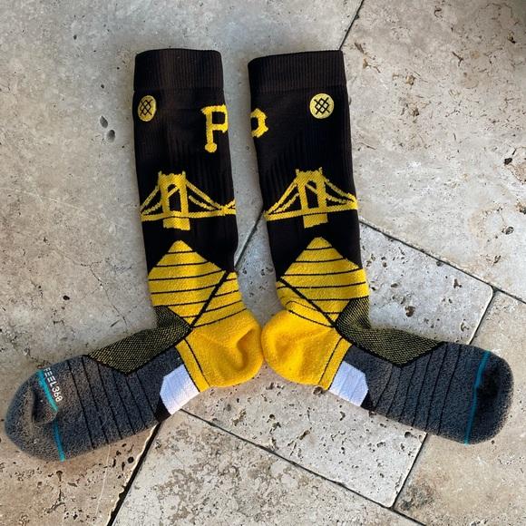 Stance MLB Pittsburgh Pirates Bridge Logo OTC Socks